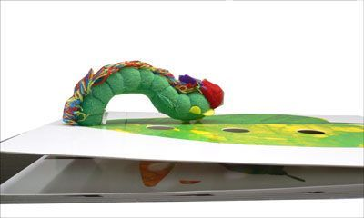 The Very Hungry Caterpillar: Giant Board Book + toy