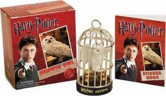 HARRY POTTER HEDWIG OWL KIT AND STICKER